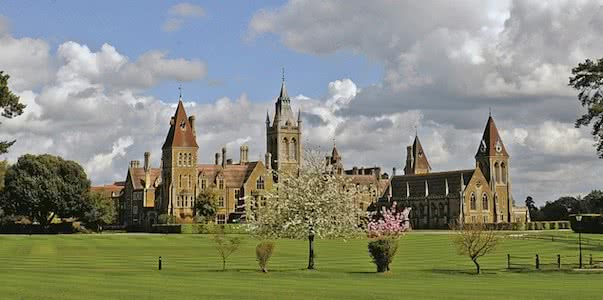 get into Charterhouse School outside